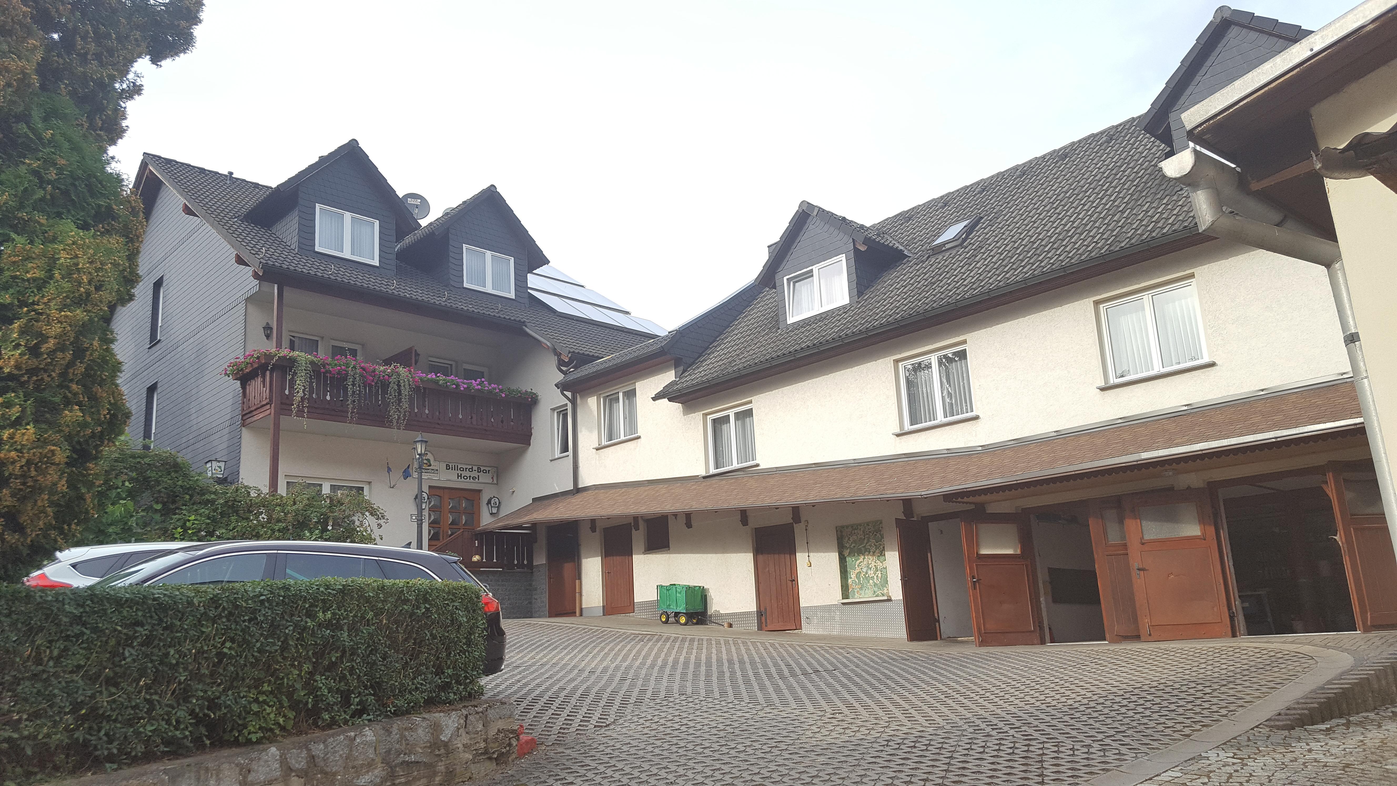 hotel-mit-garage-u-parkplatz
